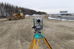 На 149-м километре Сибирского тракта (свороток на объездную) вовсю ведется реконструкция дороги.