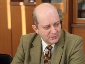 В.Ю. Соловаров не только познакомился с городом, но и провёл приём граждан, посетил электротехнический завод.