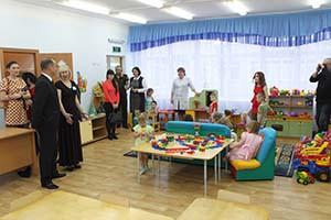 После торжественной части для гостей была проведена экскурсия по детскому саду № 10.