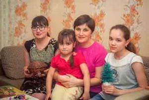 Рукодельницы Светлана, Марина Михайловна, Ирина и Аня Трапезниковы.