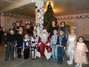 В центре досуга УИЗ прошли праздники для детей работников завода.
