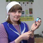 Мария Александровна Кузьмина – в 2015 году ветеринарный врач ООО СПП «Надежда», в настоящее время – специалист животноводства СПК «Обуховский».