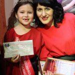 Победительница конкурса Милана Боровских с мамой Лилией. Девочка не сомневалась в своей победе и очень её ждала.