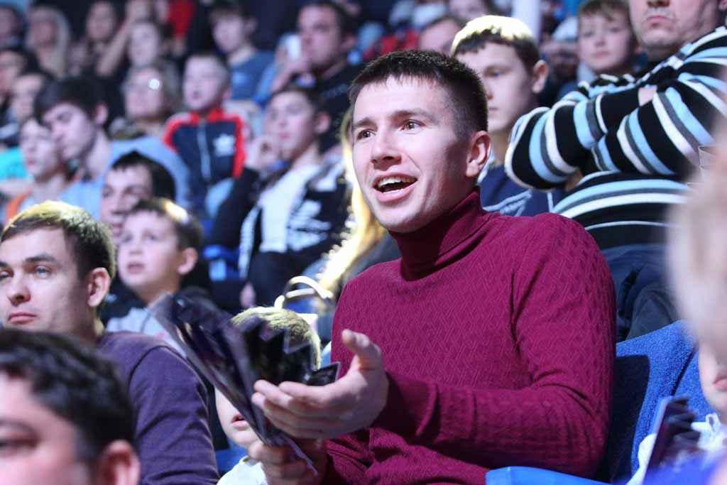 Евгений Мамро болеет за друга Ивана Тумашева.