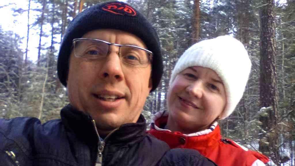 Автор Андрей Холопов. Андрей Холопов и Оксана Степанская 3 января 2018 года на Солдатских горках у наряженной ёлочки.