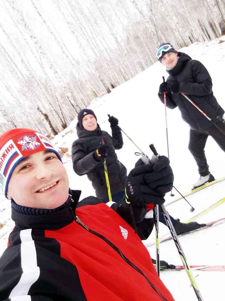 Автор (на фото) – Алексей Зеленцов, снимок сделан на лыжной базе «Масляны» 23 декабря 2017 года.
