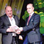 Дмитрий Голиков, механизатор ООО СПП «Надежда», стал победителем в номинации «Лучший комбайнер» конкурса «Лучший по профессии в 2019 году», заготовив за сезон 13108 тонн зелёной массы.