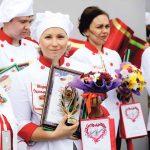 Марина Устьянцева – победитель конкурса кондитеров «Земляничный десерт» на праздновании Дня города.