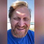 На прямой видеосвязи с Камышловом – актёр «Уральских пельменей» Андрей Рожков.