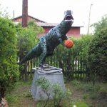 Последняя работа Анатолия Петрушко – динозавр. Сейчас эта фигура находится на выставке в Екатеринбурге.