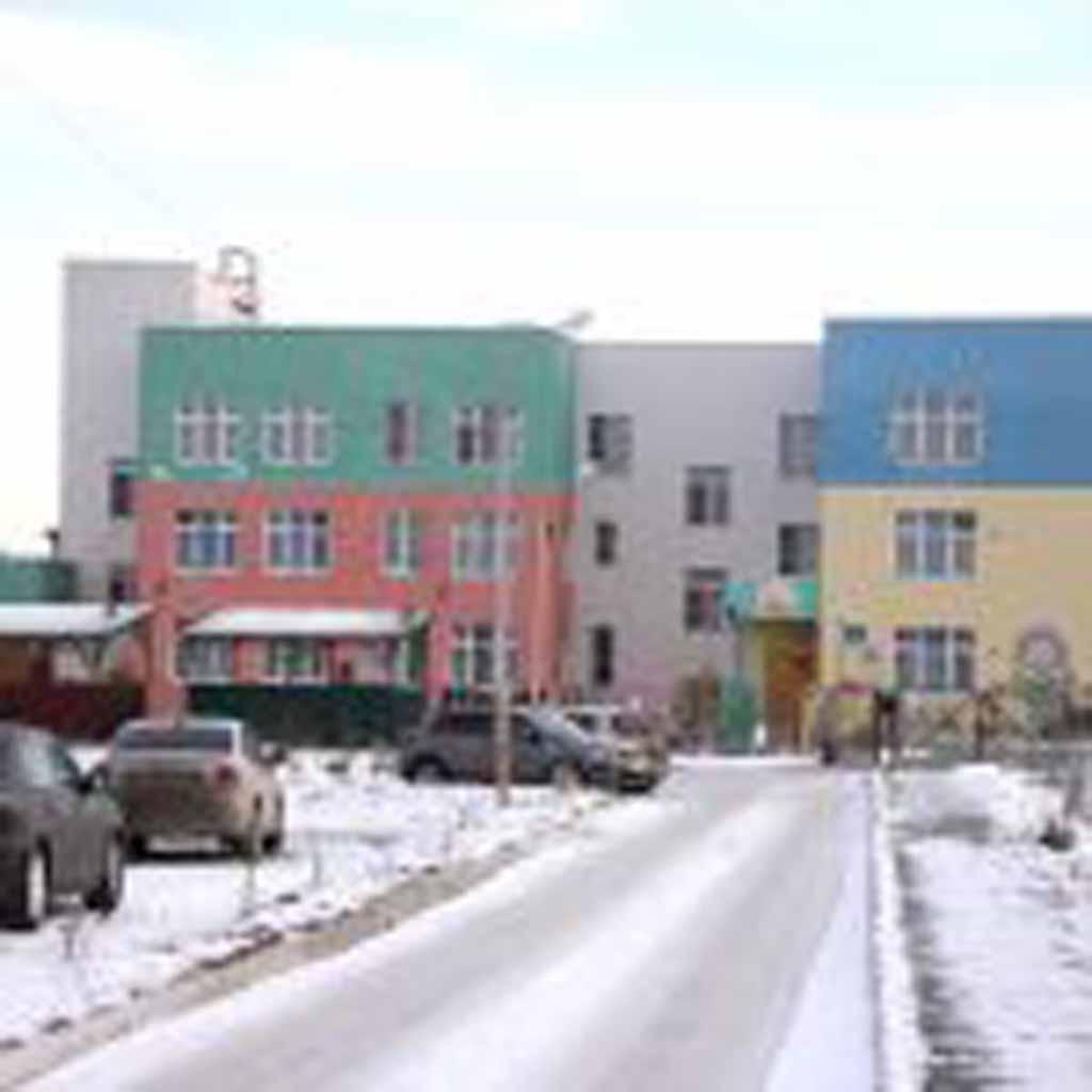 Дорога, ведущая к детскому саду «Калинка», сделана на условиях софинансирования с администрацией Ка-мышловского района.