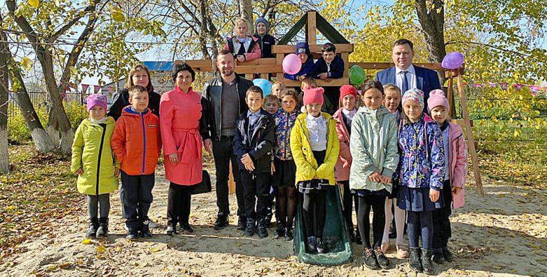 Детские площадки от депутата Заксобрания