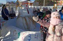 Москва из снега