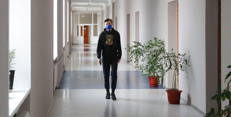 Студентов возвращают с дистанта