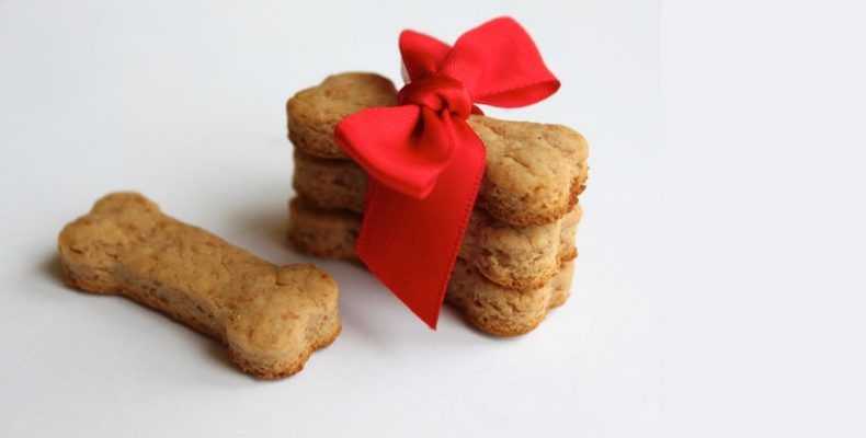Подарите собаке печенье