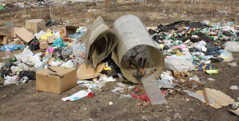 690 кубометров мусора
