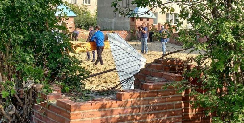 Восстановление детской площадки