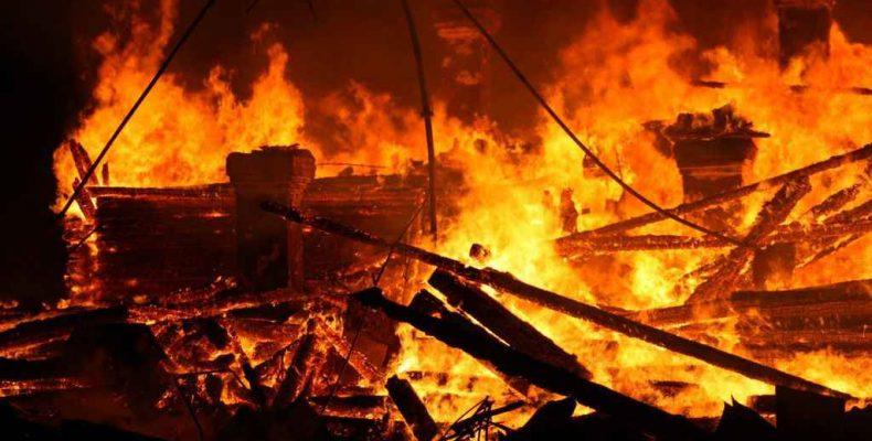 Сгорели пять домов