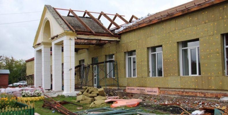 Две школы временно в одном здании